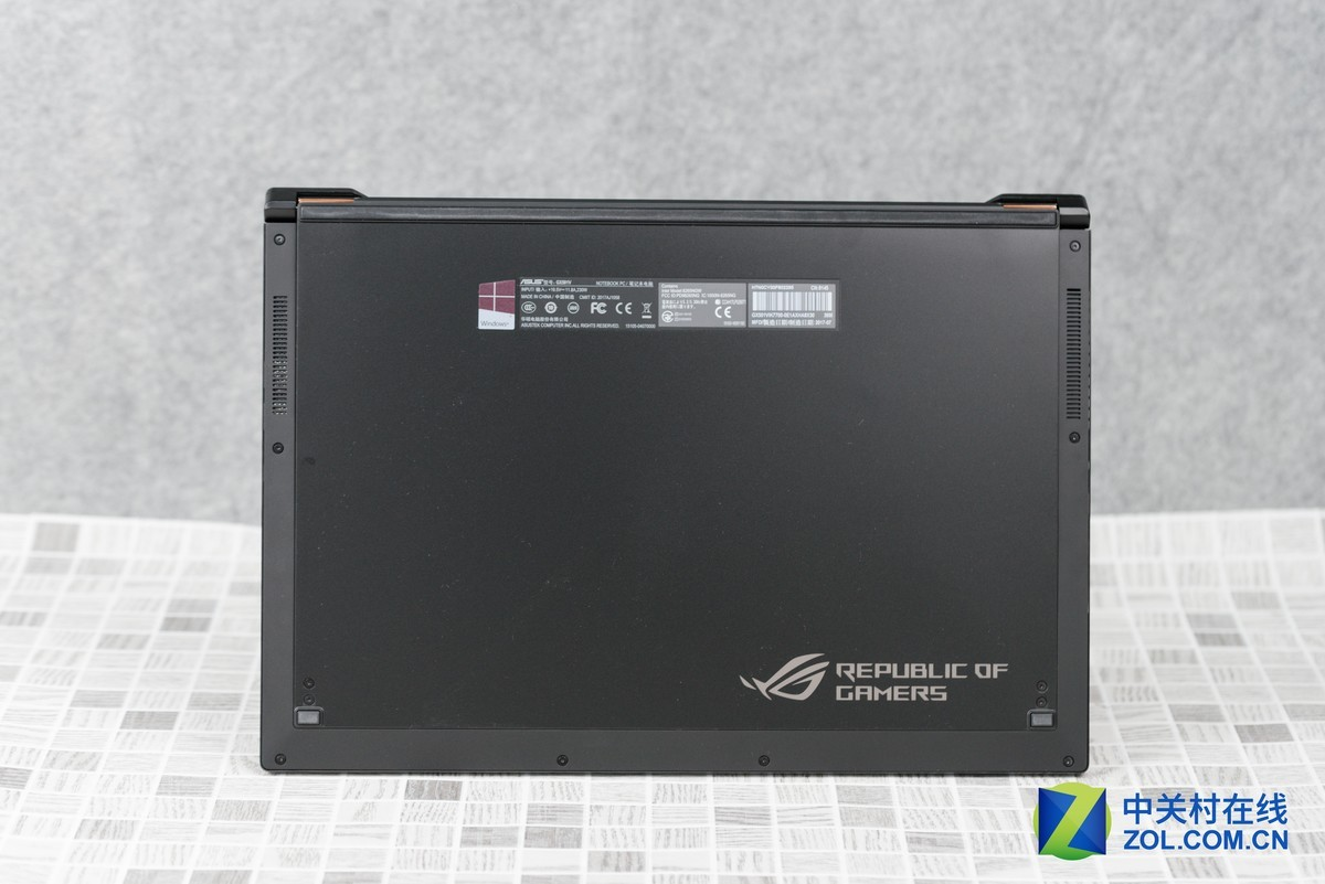 Asus ROG Zephyrus GX501VI Disassembly (SSD, RAM Upgrade Options