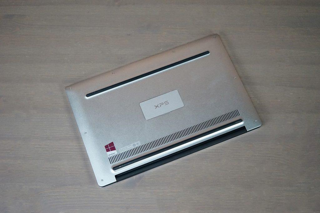 Dell XPS 13 9360 rear