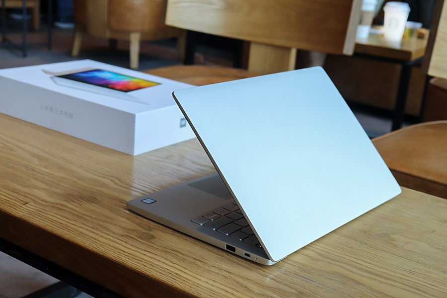 xiaomi mi notebook Air 13 appearance