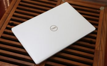 Dell Inspiron 15 5570 front cover