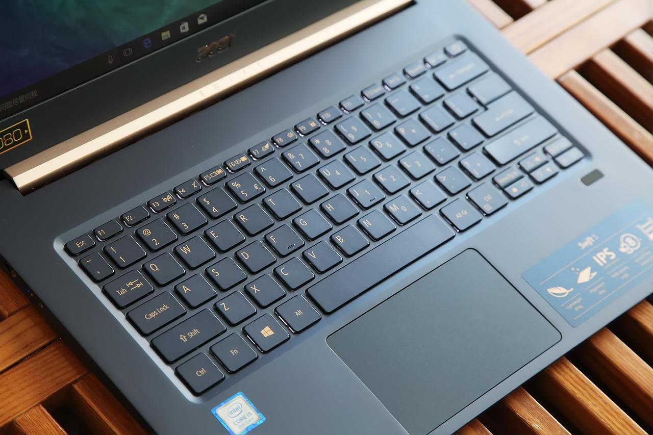 Acer Swift 5 SF514-52 Review - Laptopmain com
