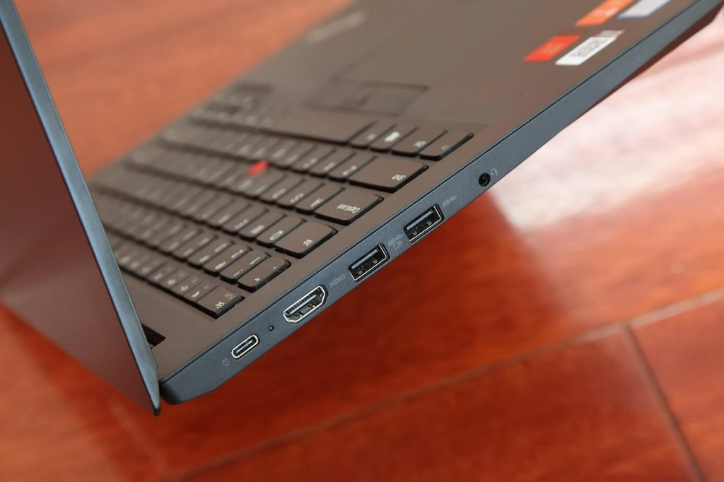 ThinkPad E480 left port